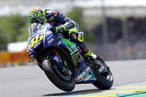 Valentino Rossi, lieve trauma toracico. Ma rischia di saltare il Gp del Mugello