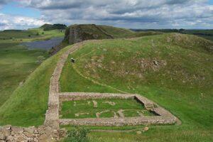 Terme romane del 400 d.C. scoperte durante gli scavi per un campo da cricket