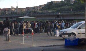 Ventimiglia, centinaia di migranti: si rischia di tornare come due anni fa