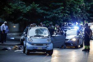 Roma: patente tolta, guida lo stesso, salta il rosso, ne falcia 5, perché non è in cella?