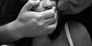 Padova, entra dalla finestra e violenta una ragazza: arrestato tunisino