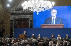 """Bankitalia, Visco alla politica: """"Serve sforzo eccezionale non promesse"""""""