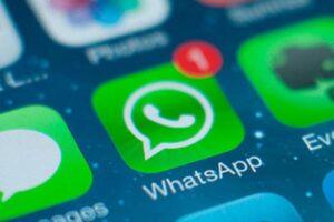 """Whatsapp, la nuova truffa: """"Prova i nuovi colori"""". Non cliccare"""