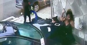 YOUTUBE Shanta Jordan eroina: per proteggere un ragazzino si fa schiacciare da auto in corsa