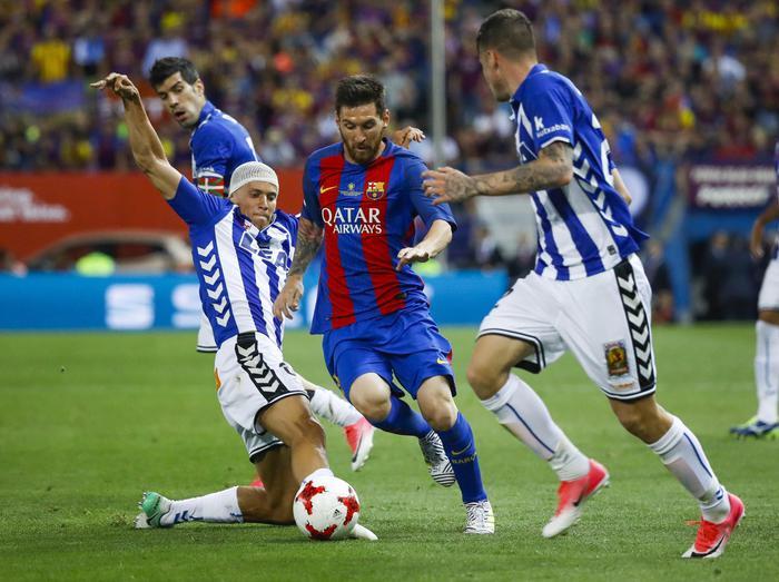 Barcellona, pronto il rinnovo per Messi. Clausola pazzesca