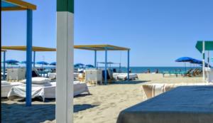 Alessia Berlusconi a Forte dei Marmi rileva i Bagni Alcione per 1 euro