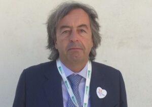 Roberto Burioni, Lorenzin propone una medaglia per il medico pro-vaccini minacciato