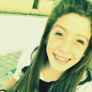 Carolina Zoccola muore a 17 anni: malore mentre aspettava il bus a Giffoni Valle Piana