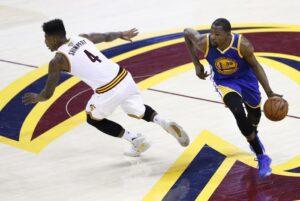 Basket Nba, Golden State a un passo dal titolo: Cleveland ancora ko