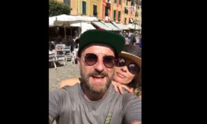 """YOUTUBE Facchinetti a Portofino: """"Ho visto un Vip chiedere lo sconto. Barbone, non ti vergogni?"""""""