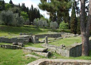Fossa Nera (Lucca): incontri a luci rosse nel sito archeologico