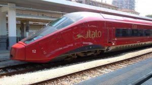 Italo fermo 6 ore, odissea ad Anagni per 400 passeggeri: due bimbi all'ospedale, secondo guasto in 3 giorni