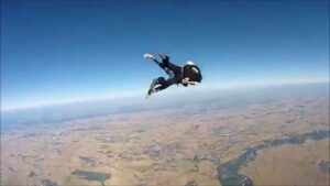 Il paracadute non si apre, Roberto Pezzuto muore durante un lancio a Fermo