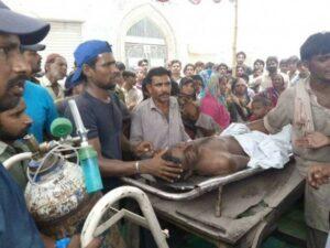 """Pakistan, sviene mentre pulisce un tombino. Medici non lo curano perché """"impuro"""": è morto"""