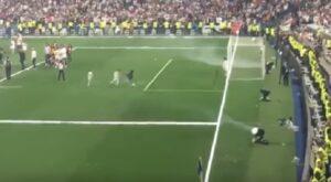 Cristiano Ronaldo jr, show al Bernabeu: dribbling durante festa Real