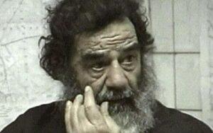 Saddam Hussein, ultimi giorni in prigione mangiando muffin e ascoltando Mary J Blige