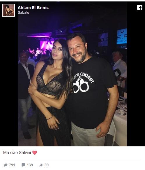 Salvini e la FOTO con la modella marocchina: insulti sui social contro leader Lega