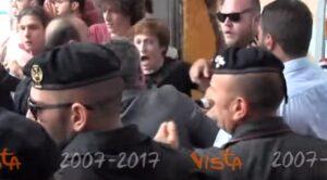 YOUTUBE Afragola, inaugurazione nuova stazione: scontri tra manifestanti e polizia