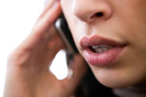 YOUTUBE Truffe al telefono, come capire che si tratta di una frode