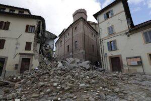 Terremoto Sarnano, troppi disagi e precarietà: 57enne si impicca in cantina